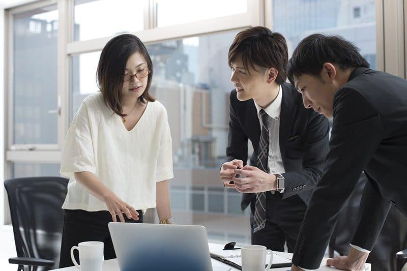 社員総会を一人で仕切るには限界が…今年こそ外注に頼みたいあなたに「上司説得術」を教えます!
