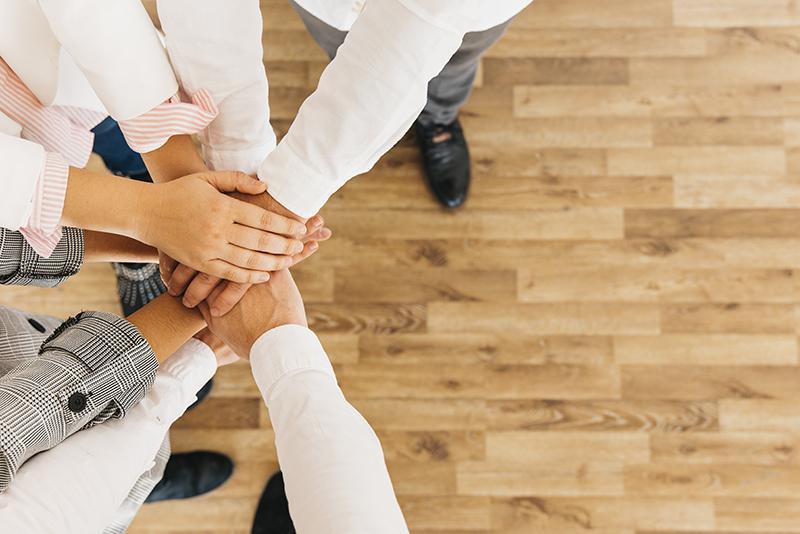 「社員総会」を再開して以降、社員のモチベーションは復活し、毎年「総会で表彰されること」を目標に、部署・チーム一丸となって日々課題克服に向けての努力を現場社員が行っているということです。